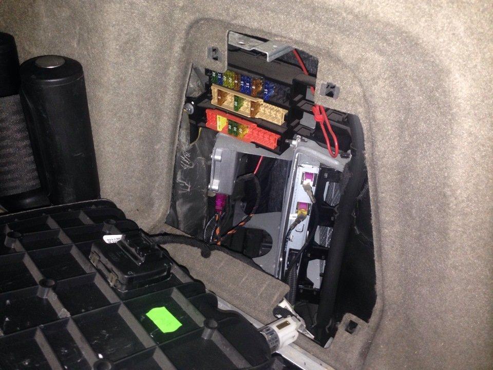 реальное фото блока в багажнике