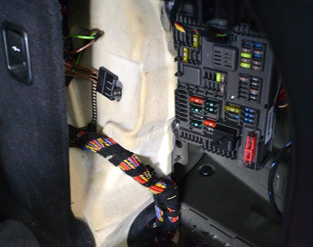 Блок в багажник бмв х5 е70
