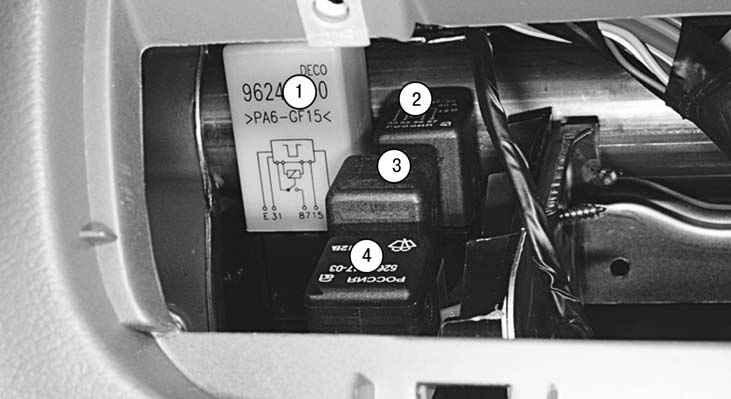 схема блока реле в салоне lanos