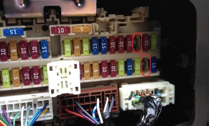 фото блока в салоне j11 прикуриватель
