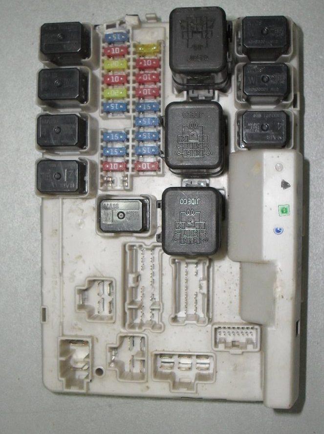 фото блока предохранителей ниссан теана 31