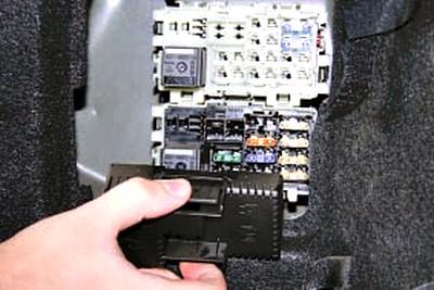 Блок в багажнике мондео 4