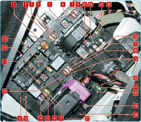 Схема блока в багажнике Астра J