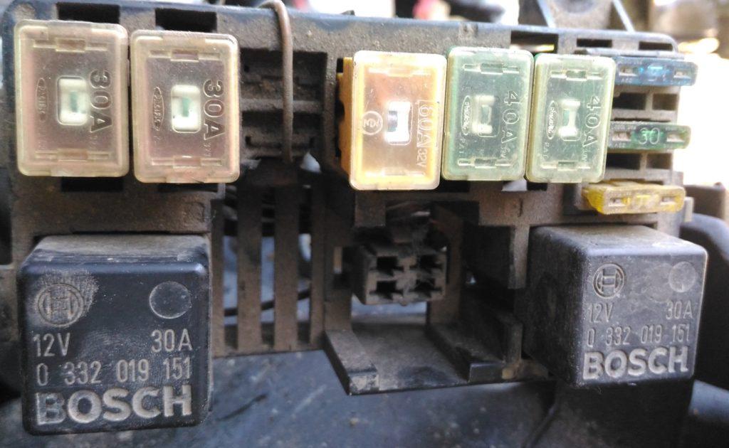 Фото блока под капотом