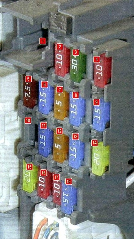 Схема блока в салоне мазда 6 gh