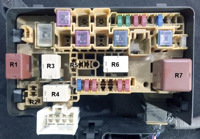 Фото схема блока под капотом т240